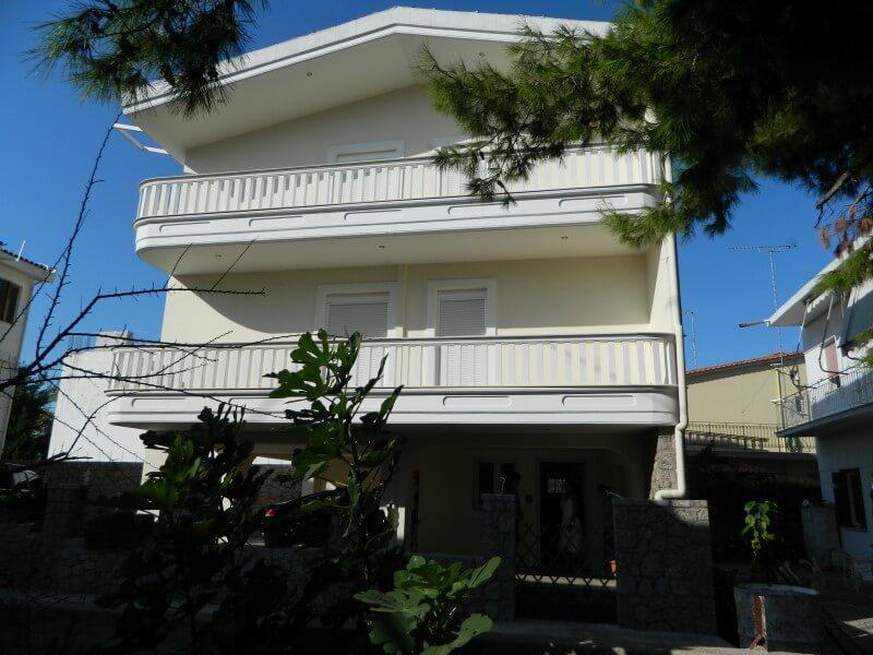 Vila ZINA Pefki