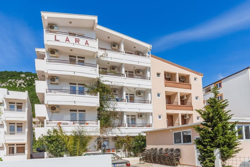 Apartmani LARA Čanj 3*