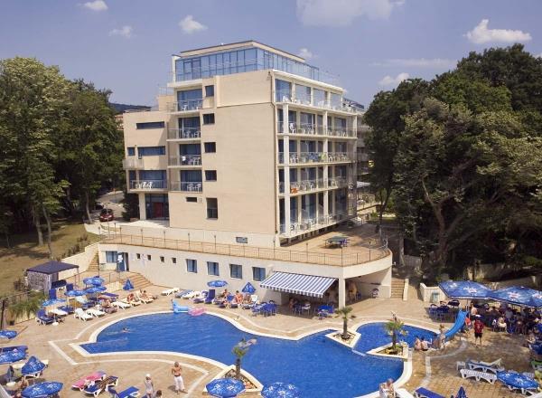 Hotel HOLIDAY PARK Zlatni Pjasci 4*