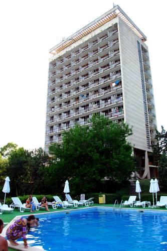 Hotel JOURNALIST Chaika 2*