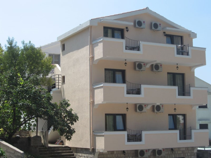 Apartmani SRZENTIĆ Petrovac