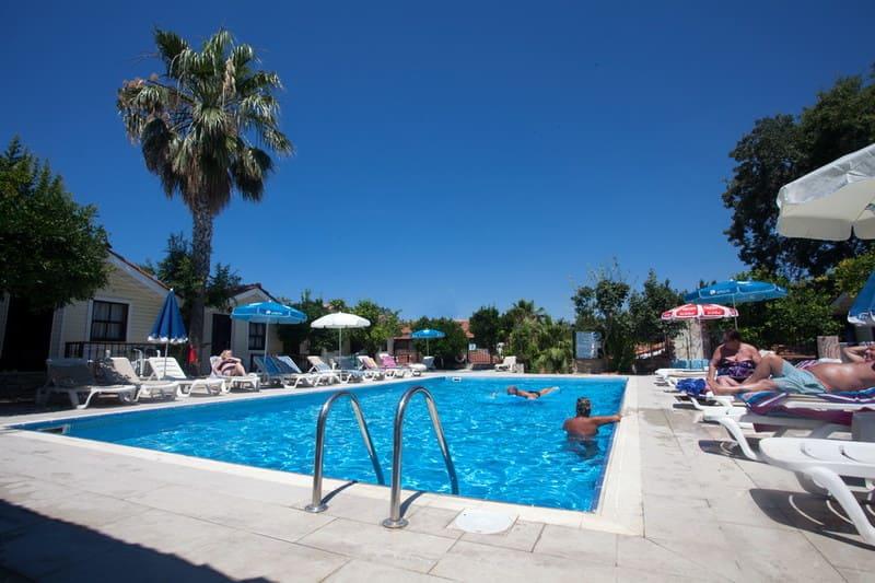 Hotel LEDA BEACH Side 2*
