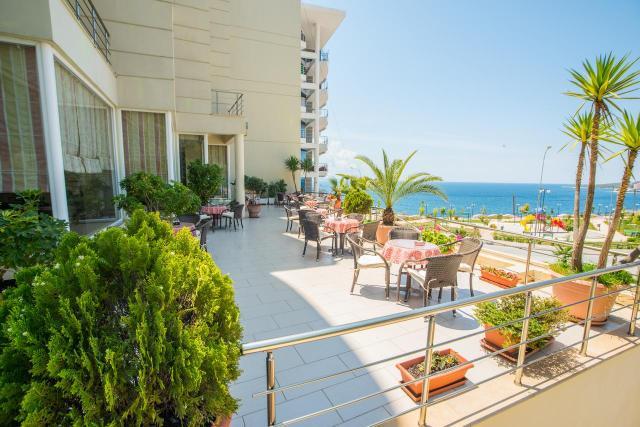 Hotel OASIS Saranda