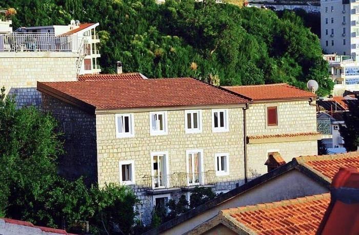 Vila TIVOLI Rafailovići